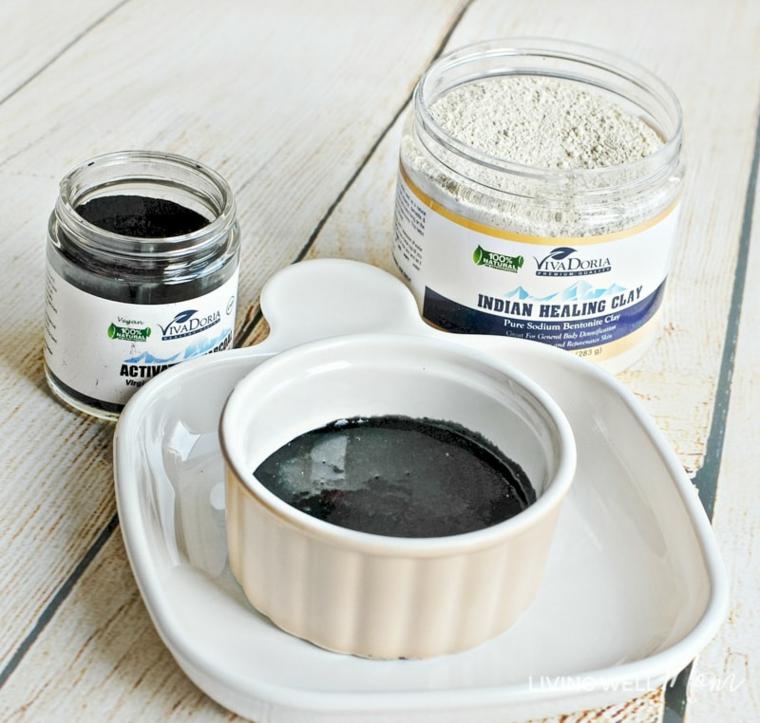 Maschera trattamento per colore di colore nero, ingredienti in barattoli di vetro