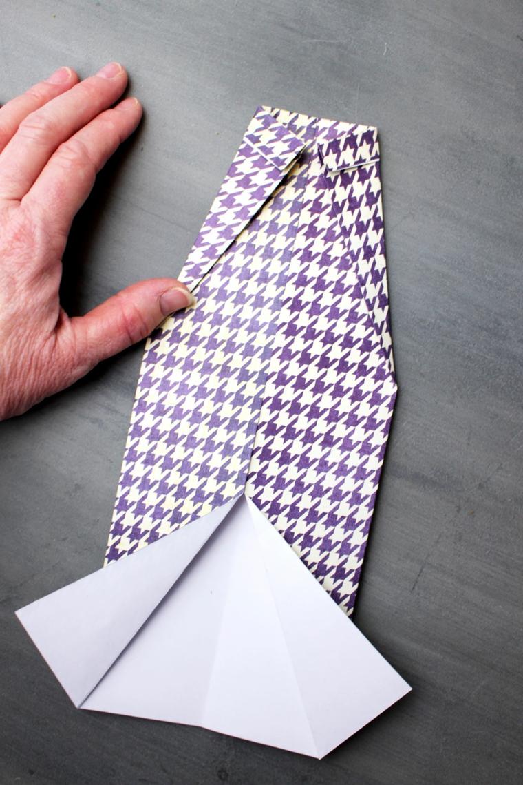 Lavoretti festa del papà 2020, foglio di carta colorata piegata con origami