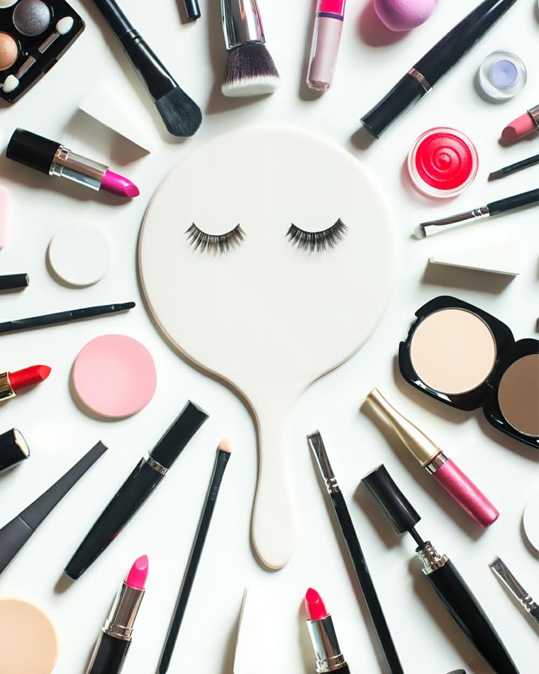 Specchio con ciglia finte, pennelli e rossetti, come truccarsi gli occhi