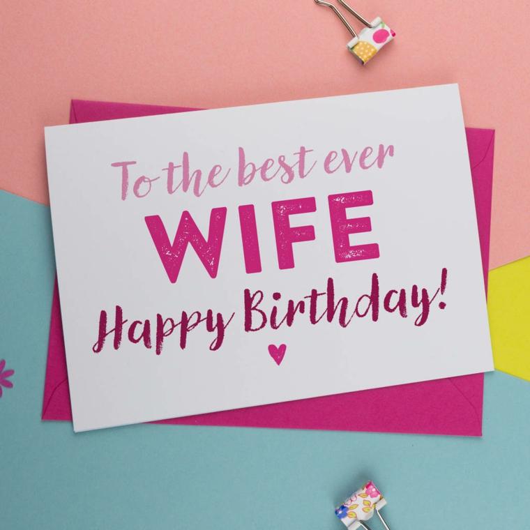 Immagini di buon compleanno, cartolina con scritta colorata in inglese per la moglie