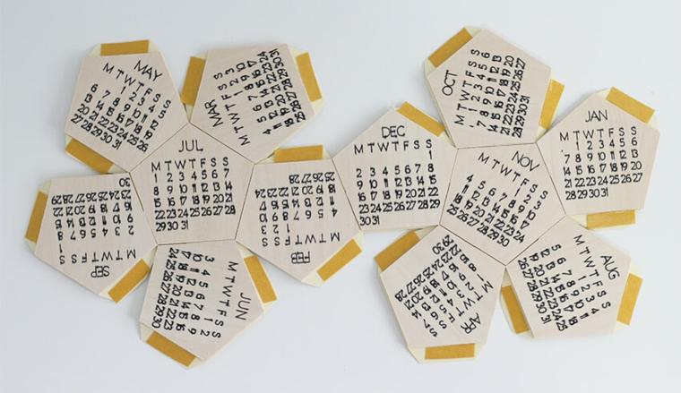 Regali per lui romantici, calendario stampato su pezzi di legno forma esagono