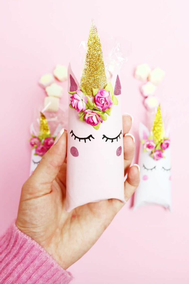 Creazioni con la carta, scatola di rotoli di carta igienica a forma di unicorno