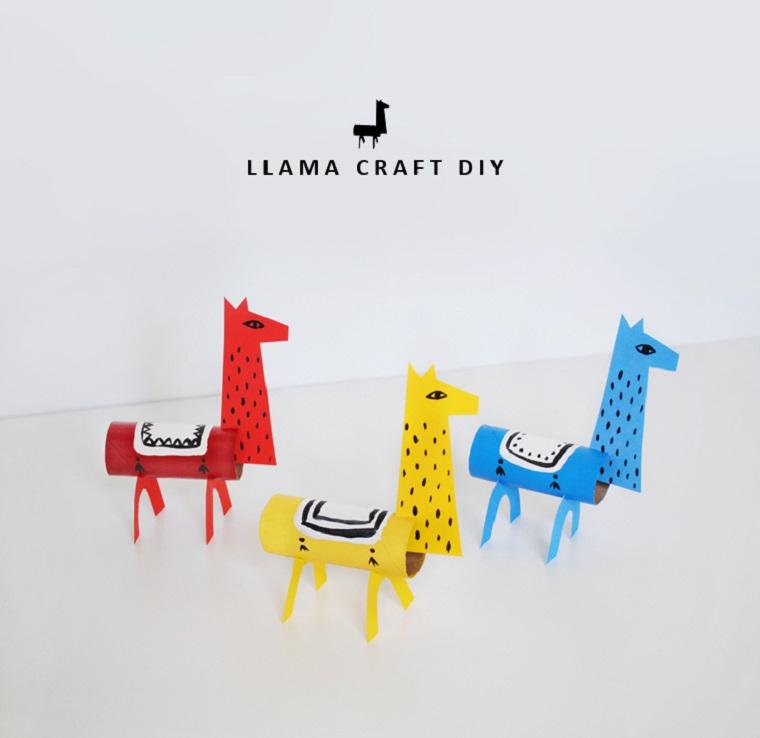 Animali con rotoli di carta igienica, lama di cartoncini colorati con testa e gambe