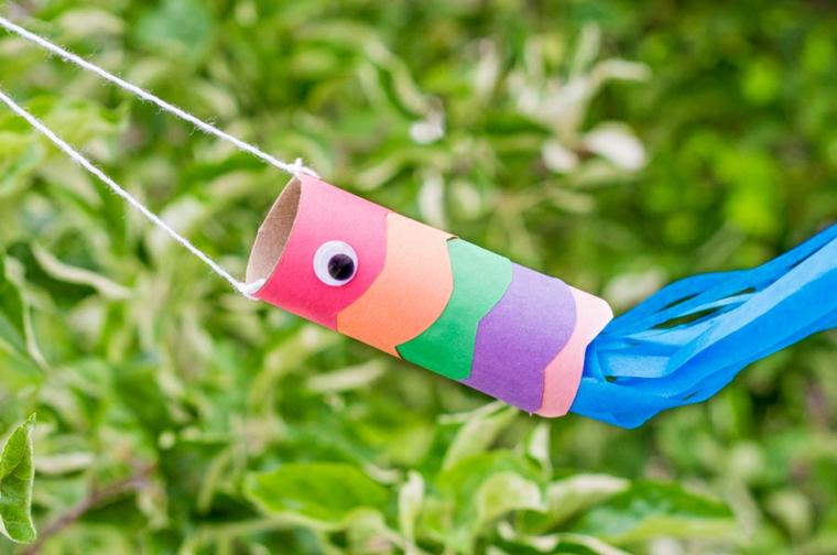 Decorazione a forma di pesce da appendere, creazioni con rotoli di carta igienica