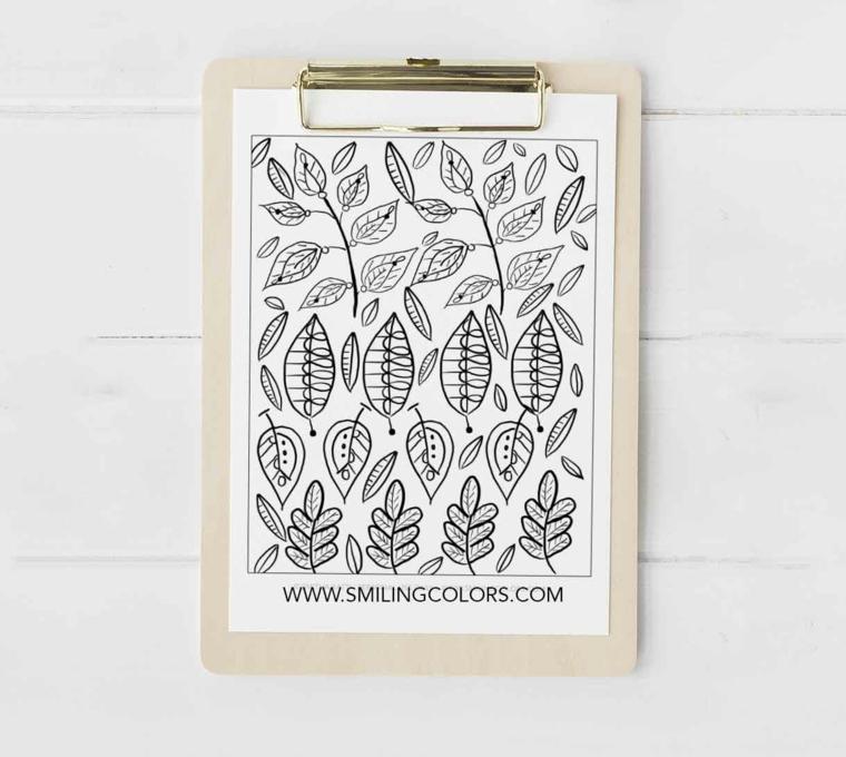 Foglio con disegno di foglie autunnali da colorare, foto di un disegno di foglie