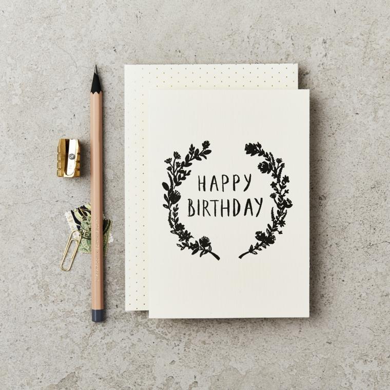 Disegno a matita con scritta in inglese, come augurare buon compleanno