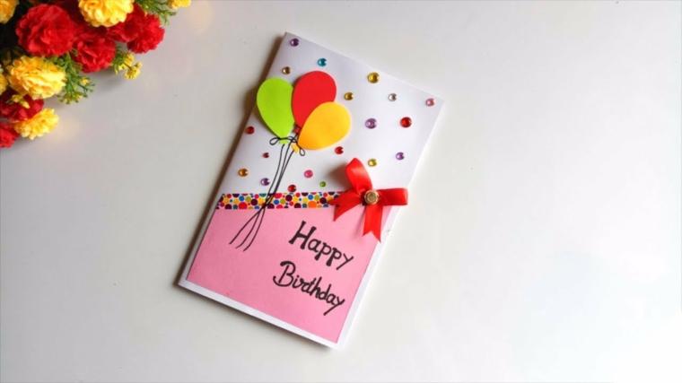 Cartolina con collage di palloncini e brillantini, tanti auguri di buon compleanno