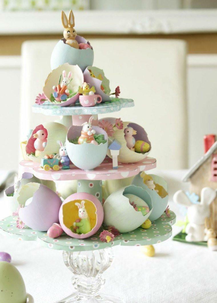 Centrotavola con gusci di uova e coniglietti, buona Pasqua immagini belle
