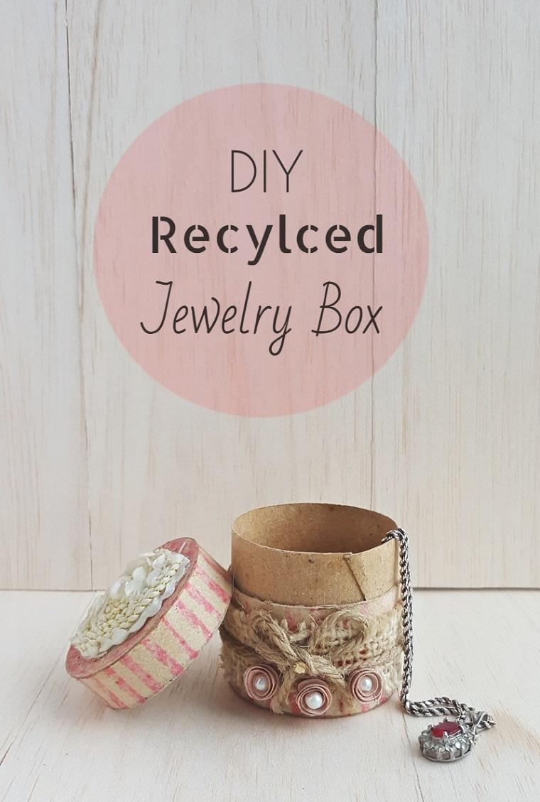 Riciclo rotoli di carta igienica, scatola di carta con spago e perle incollate