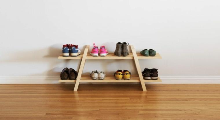 Scarpiera salvaspazio fai da te, scala di legno con mensole e scarpe