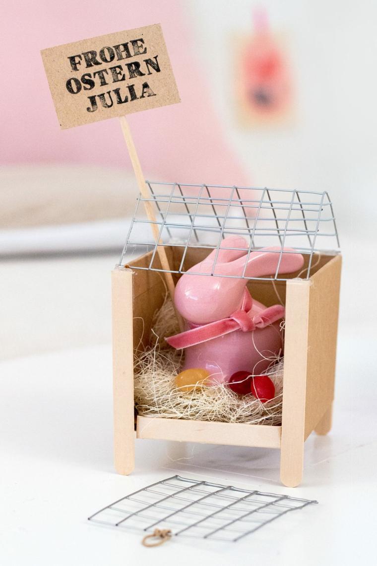 Buona Pasqua immagini belle, foto di una scatola di cartone con coniglietto e ovetti