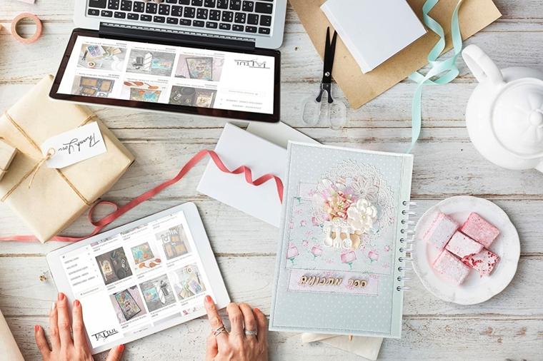 Regali per lui romantici, scrivania con computer e tablet, scatola regalo con bigliettino