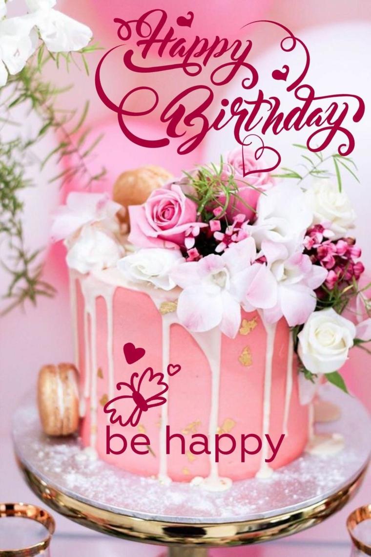 Immagine di una torta con glassa rosa, immagine con scritta in inglese