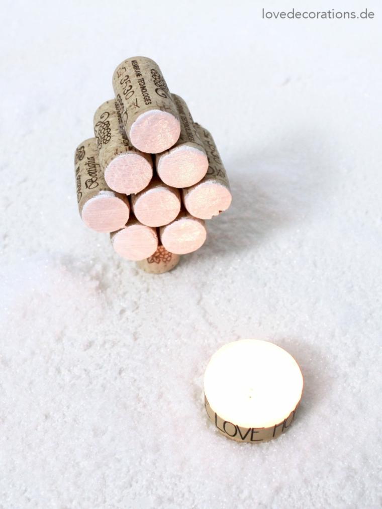 Creazioni con tappi di sughero, albero di Natale con tappi di bottiglie di vino