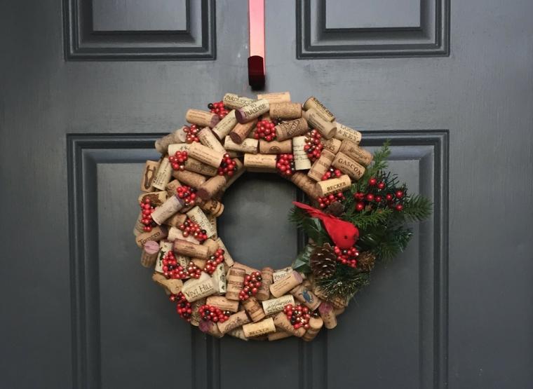 Corona natalizia da appendere alla porta di ingresso, corona con tappi di sughero