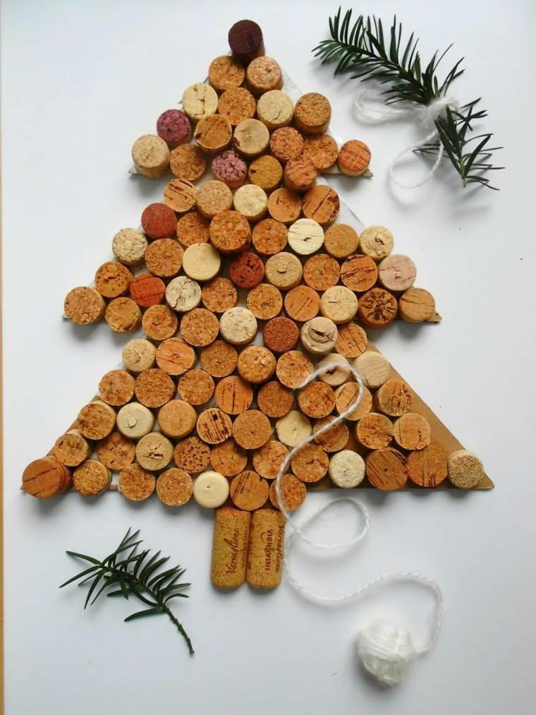 Albero di Natale con tappi di sughero, albero con tappi delle bottiglie di vino