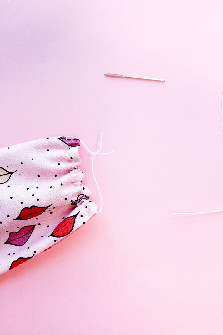Mascherine antivirus per bambini, tutorial per fare una mascherina di stoffa