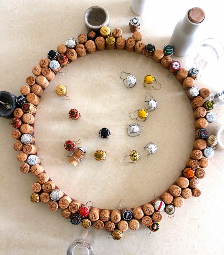 Creazioni con tappi di sughero, corona con tappi delle bottiglie di vino