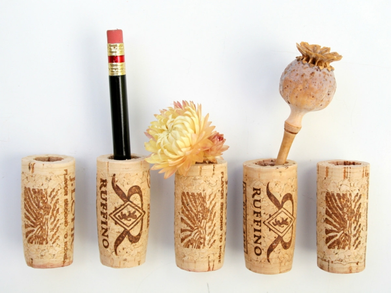 Contenitori per la scrivania con tappi delle bottiglie, riciclo tappi di sughero