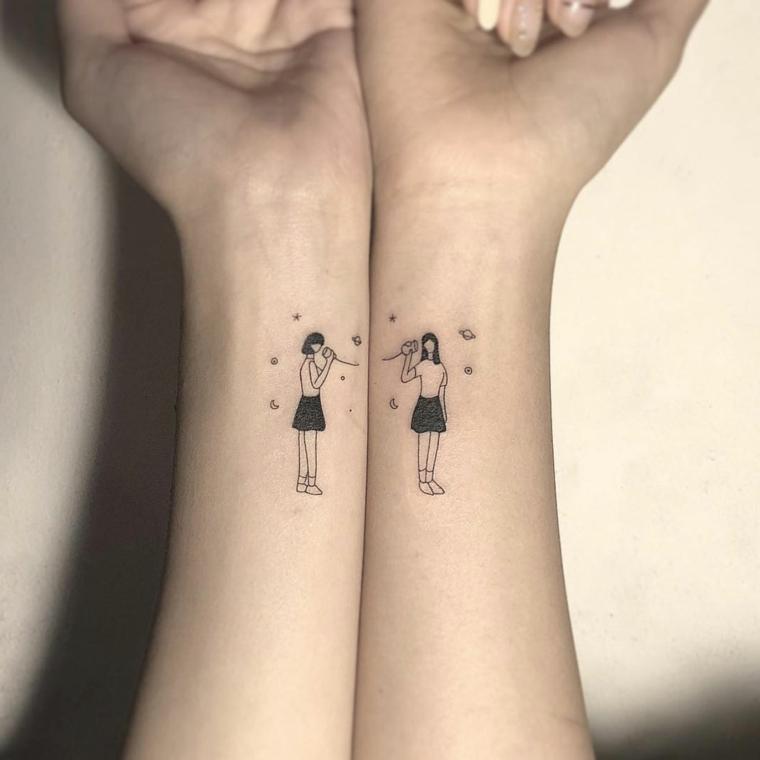 Tattoo migliori amiche, tatuaggio sul polso della mano con disegno di due ragazze