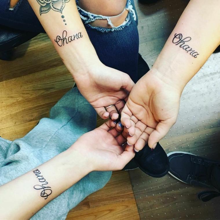 Tatuaggi amiche, tattoo sull'avambraccio con scritta e disegno mandala