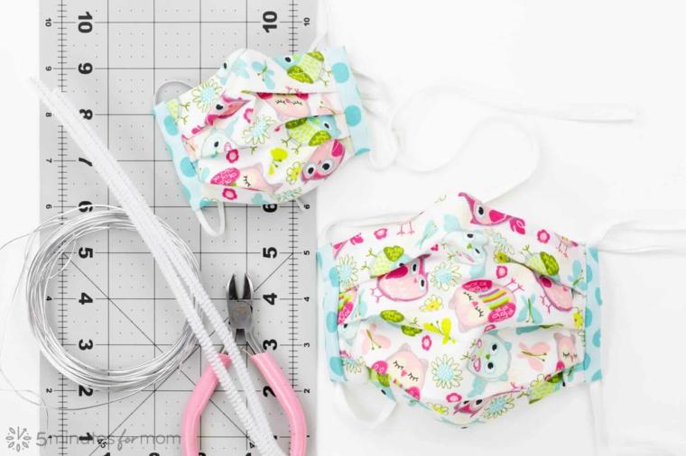 Mascherina di stoffa con print per bambini, tutorial come fare una mascherina per bambini
