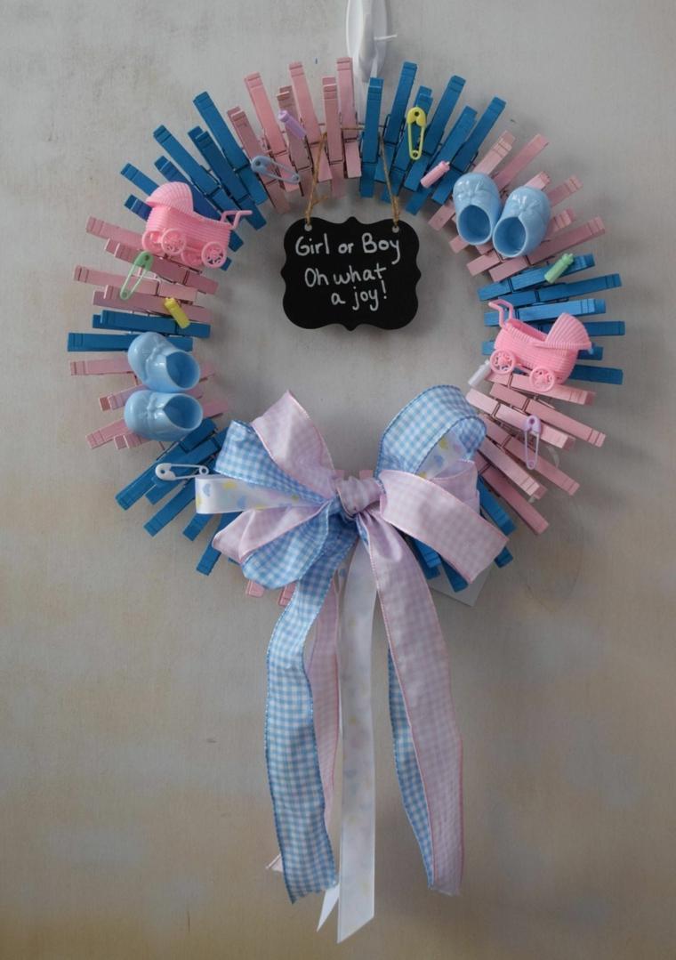 Fiocchi nascita da esterno, corona con mollette azzurre e rosa, fiocco di stoffa