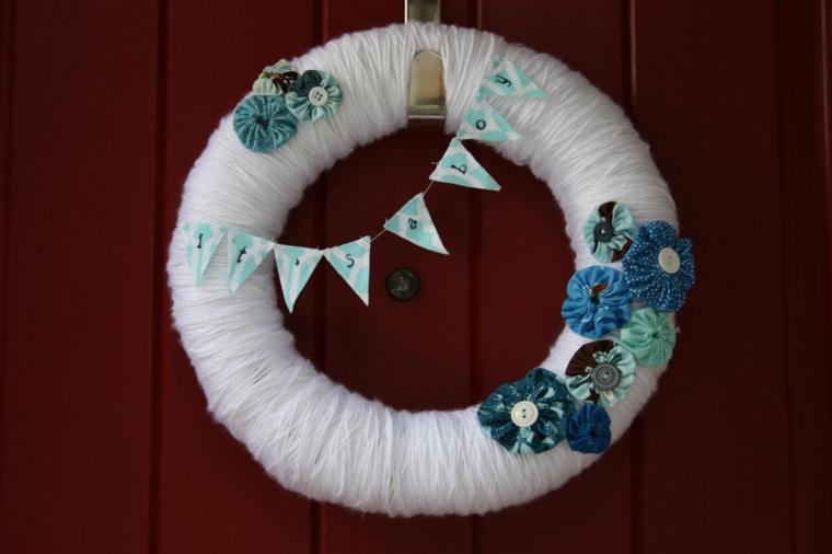 Tutorial fiocco nascita, porta d'ingresso con corona decorata con scritta Its a boy