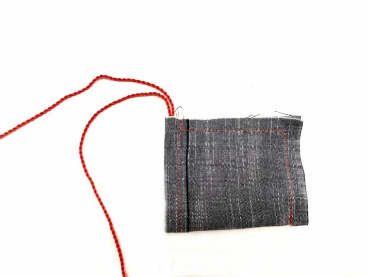 Idee regalo festa dei nonni, sacchettino da tè cucito con filo di colore rosso
