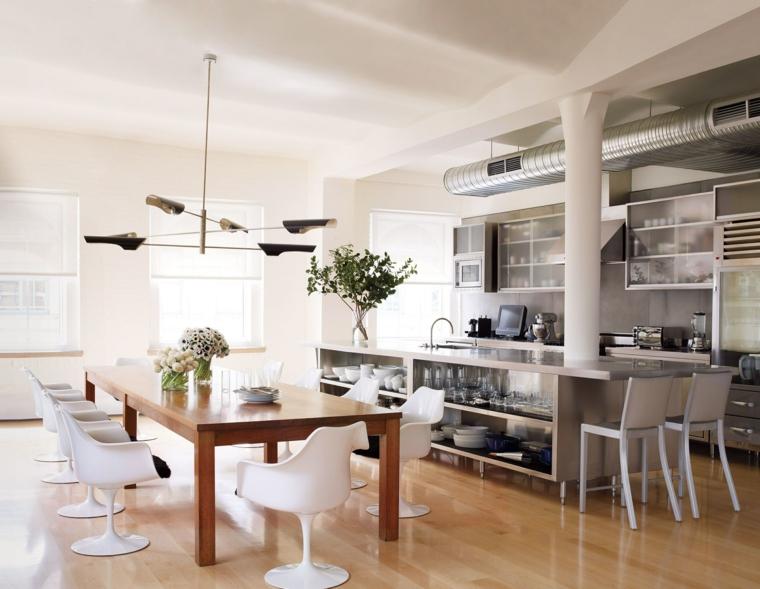 Sala da pranzo e cucina insieme, open space cucina con isola, tavola da pranzo con sedie