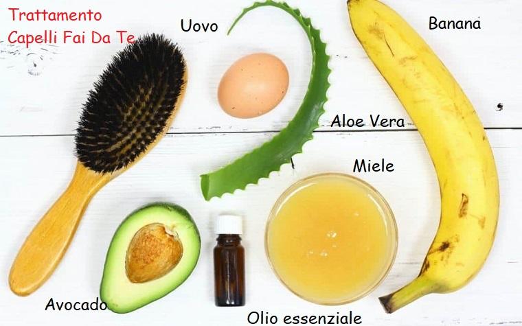 Foto di ingredienti su un tavolo di legno, maschera per capelli rovinati