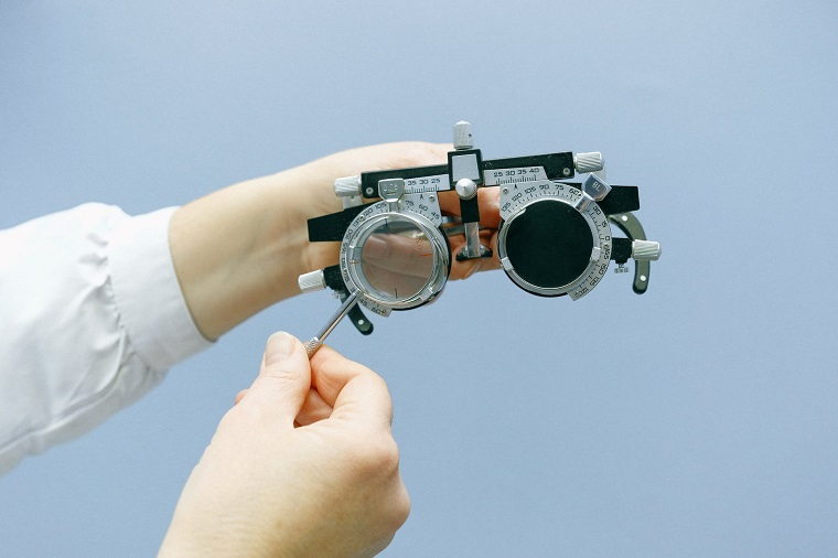 Occhiali per determinare i difetti visivi, lenti graduate per occhiali