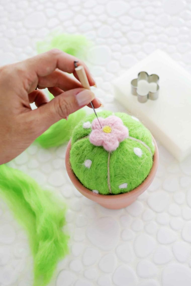 Festa dei nonni lavoretti, vaso con cuscino perni, cuscino perni di palla di lana verde