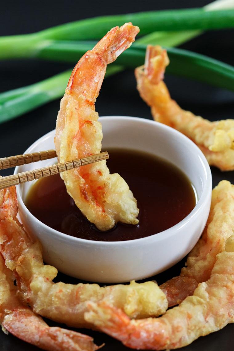 antipasti di pesce veloci ed economici tempura di gamberi salsa cipolla verde