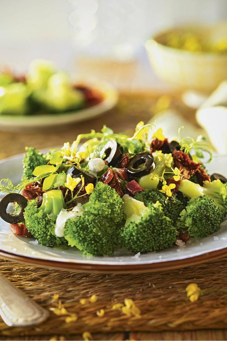 broccoli olive insalata verde primo piatto estivo ricetta ingredienti