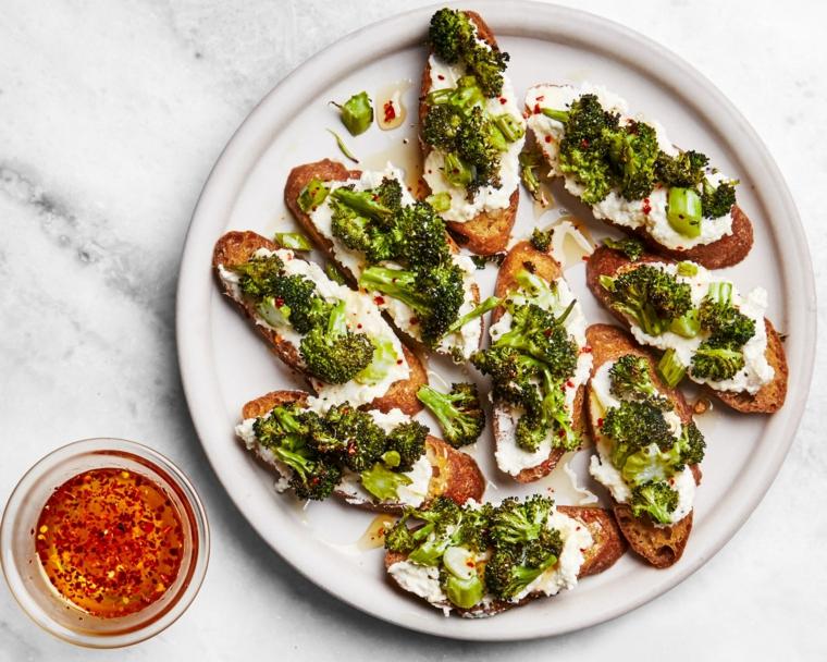 bruschette broccoli ricotta pane fette salsa ingredienti ricette apericena stuzzichini