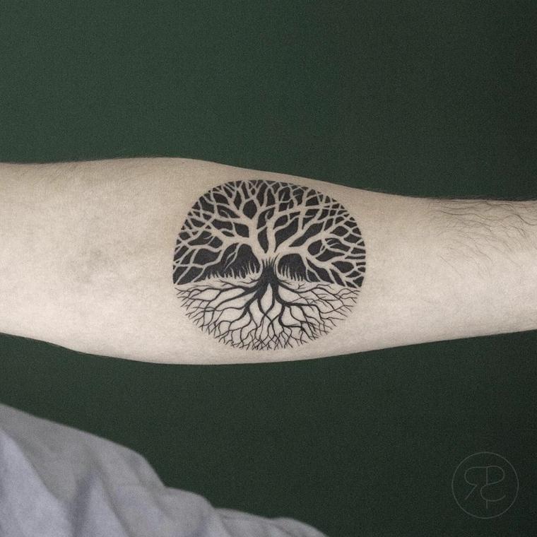 cerchio disegni tatuaggi piccoli albero della vita ombre avambraccio uomo