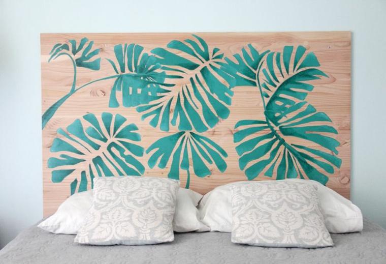 Pannello di legno come testata del letto, pannello di legno con disegno di foglie