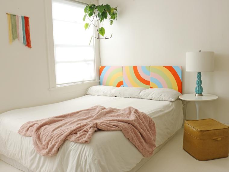 Testiera letto fai da te, camera da letto tavolino e lampada, testata del letto in legno dipinta