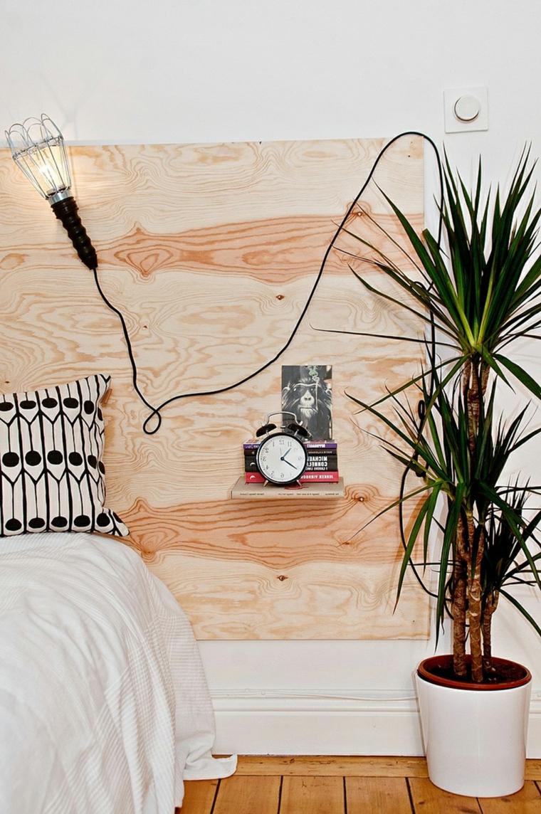 Pannello di legno con mensole come testata del letto, testiera letto matrimoniale legno