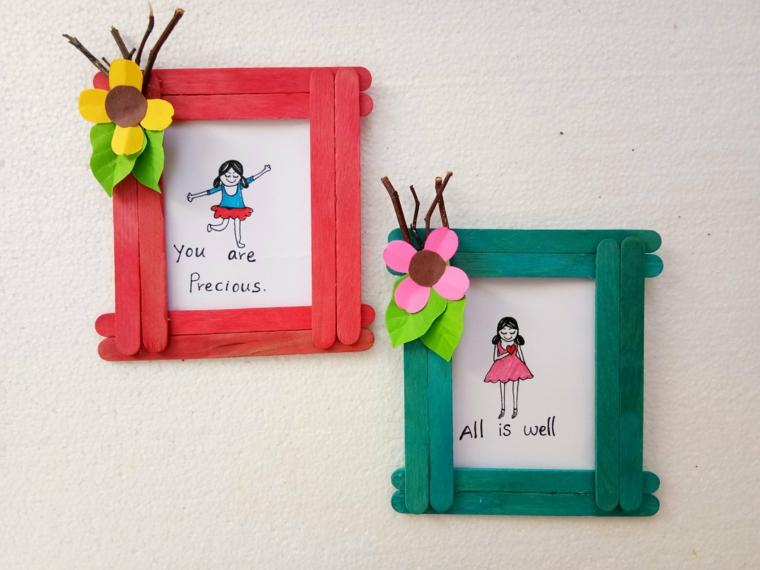 Fai da te con bastoncini di legno, cornici di foto con bastoncini colorati e fiori di carta