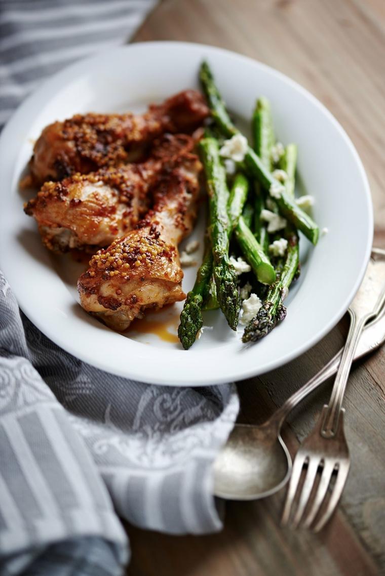 cosa preparo per cena cosce pollo contorno asparagi secondo piatto carne