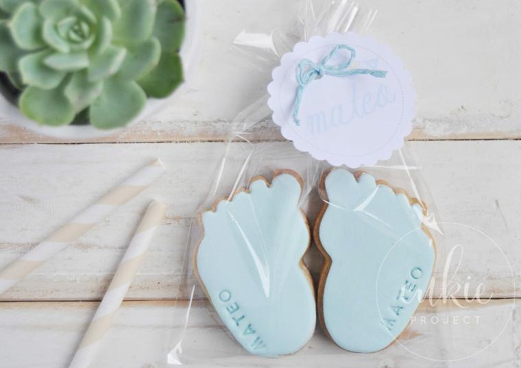idee originali per regalo battesimo biscotti pasta zucchero forma piedini pianta grassa
