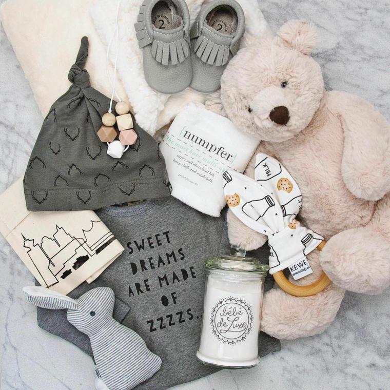 idee regalo battesimo maschio scarpette peluche giocattoli legno coniglietto