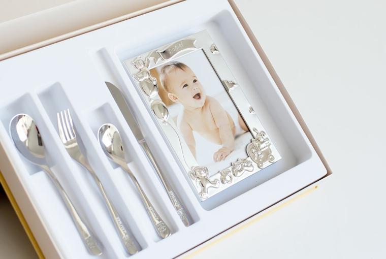 idee regalo battesimo maschio scatola cucchiaio argento posate cornice foto