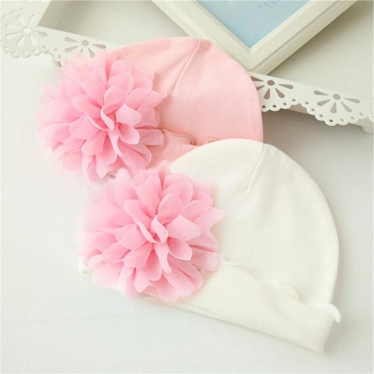 idee regalo per battesimo bimba cappellini corone fiore rosa bianco cornice