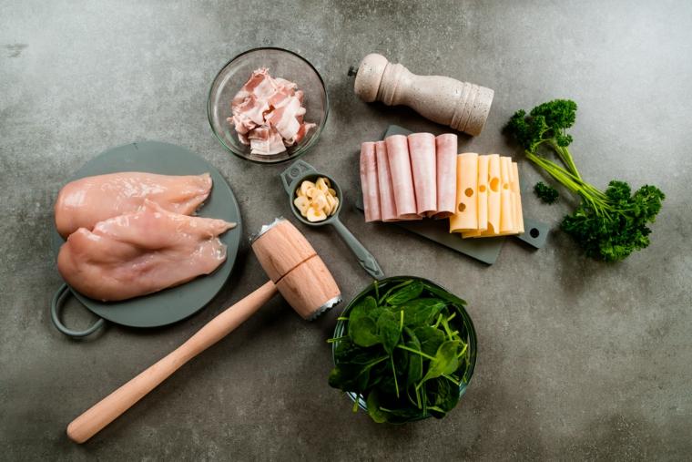 ingredienti stuzzichini veloci ed economici per aperitivo cordon bleu petto di pollo formaggio prosciutto