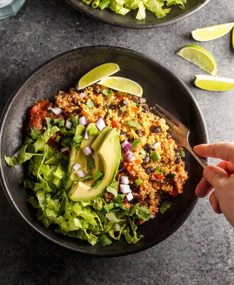 insalatona quinoa ricette economiche per cena avocado lattuga limone