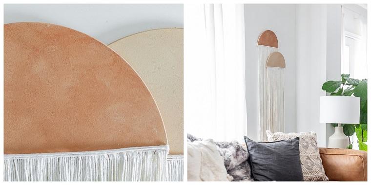 Decorazione da parete con legno e lana, creare con il legno, due semicerchi di legno con fili di lana