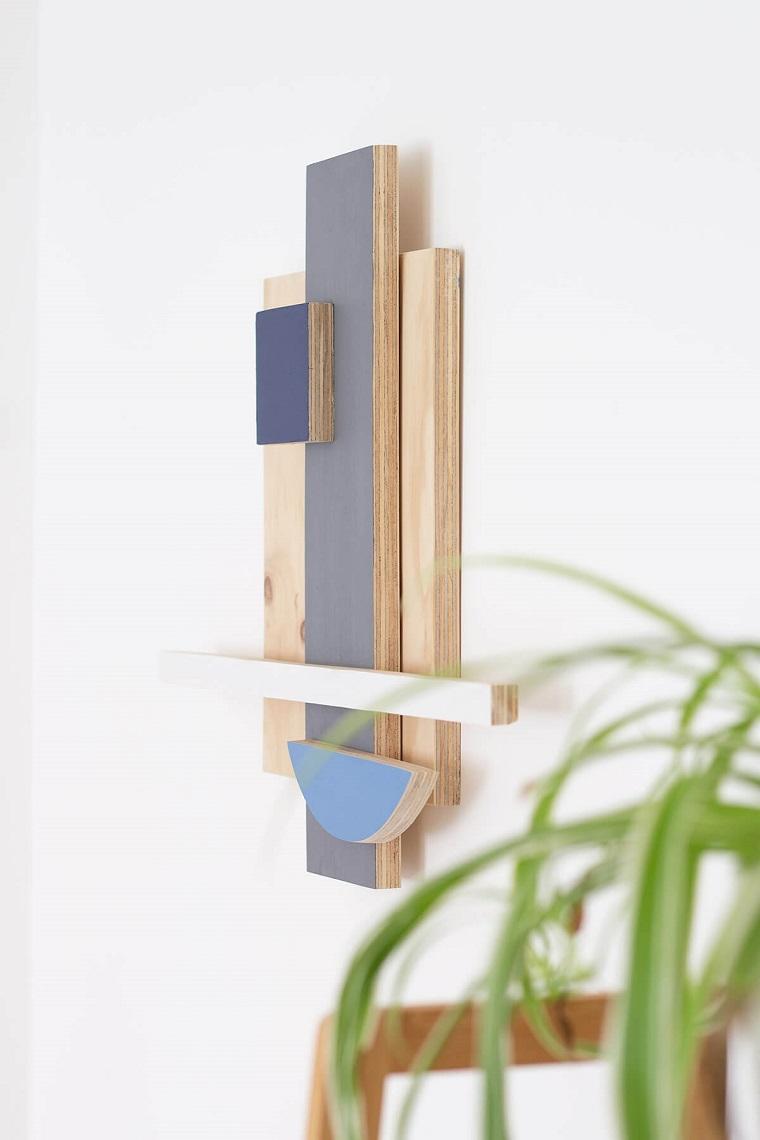 Cosa costruire con il legno, decorazione da parete con pannelli di legno colorati a mano